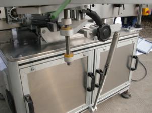 Etiquetadora automática de botellas redondas para pegamento no seco, caja de madera / máquina etiquetadora de embalaje de exportación para CE