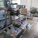 Equipo aplicador de etiquetas superior de alta velocidad para superficies planas