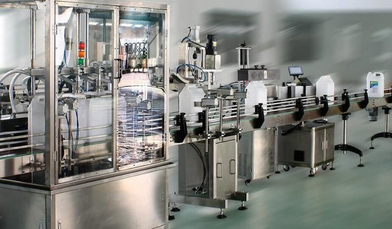 China aplicador de etiquetas adhesivas de doble cara de alta velocidad, proveedor de máquina etiquetadora automática para botellas redondas / cuadradas / planas